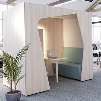 HOLI.E Concept - Aménagement espace de travail - Cabine de réunion duo bois
