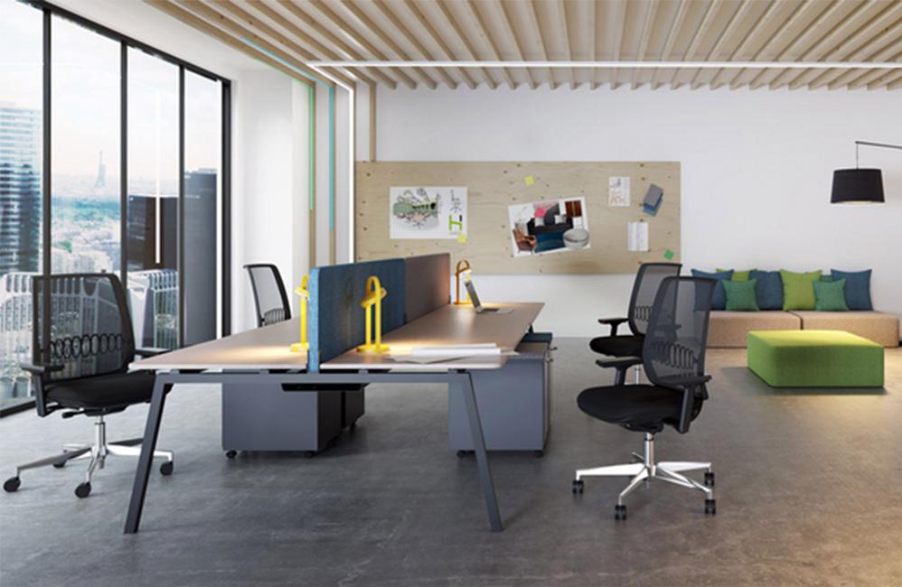 HOLI.E Concept - Aménagement espace de travail - Openspace moderne bois et noir