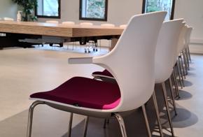 HOLI.E Concept - Aménagement espace de travail - Chaise pour réunion, conférence, séminaire, formation en entreprise