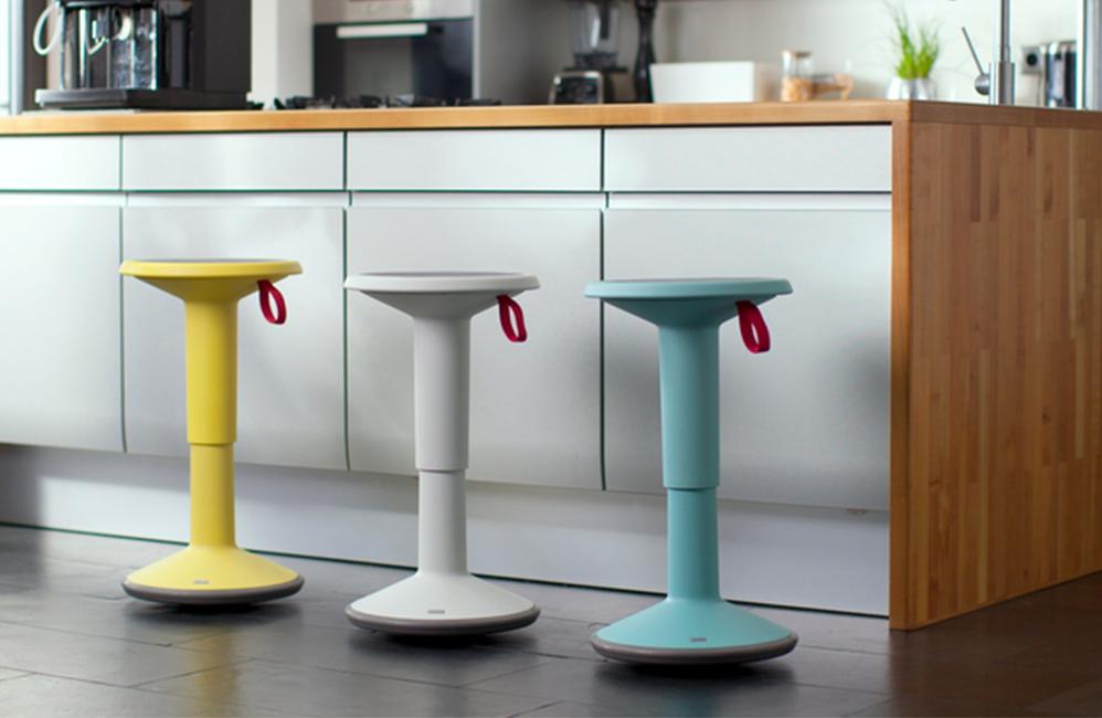 HOLI.E Concept - Aménagement espace de travail -UP tabourets ludique qui bouge, dynamique et coloré