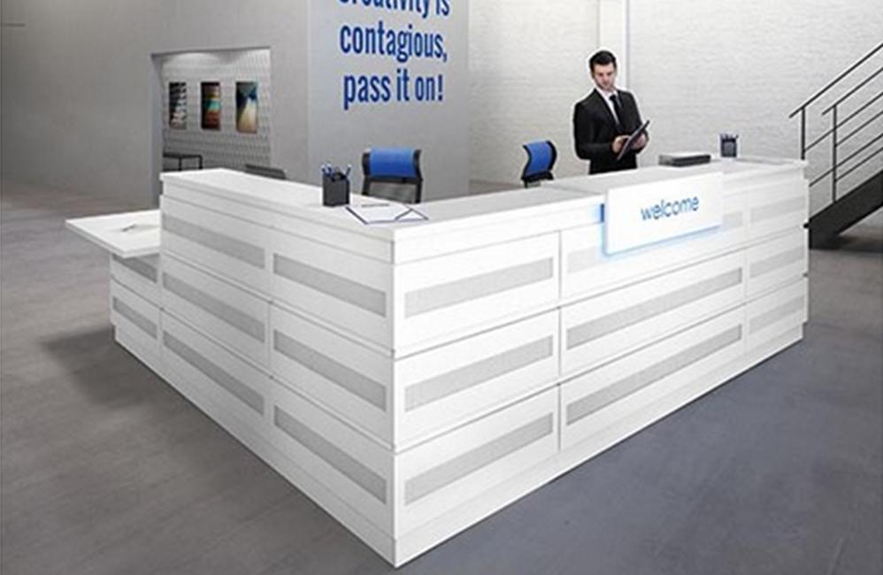 HOLI.E Concept - Aménagement espace de travail - Banque d'acceuil blanche et grise moderne
