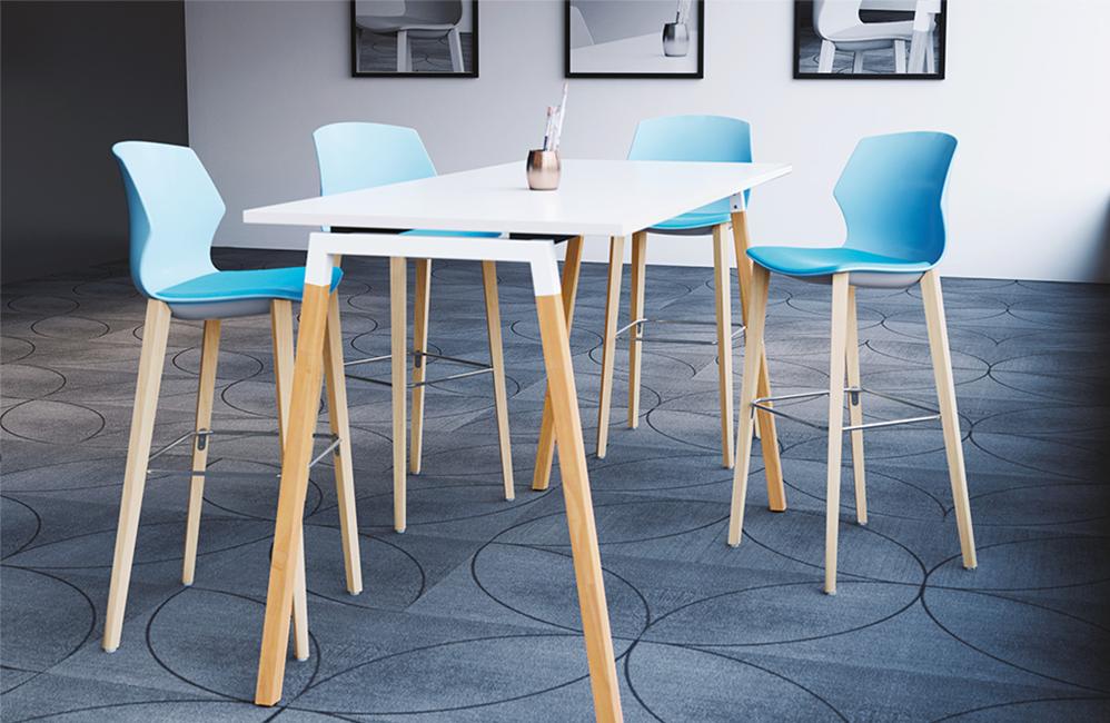 HOLI.E Concept - Aménagement espace de travail - Table haute chaise bleu