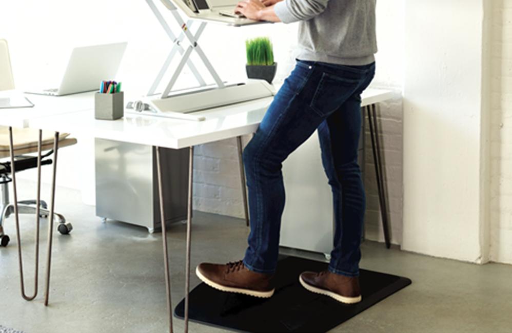 HOLI.E Concept - Aménagement espace de travail - Position debout confortable tapis anti fatigue